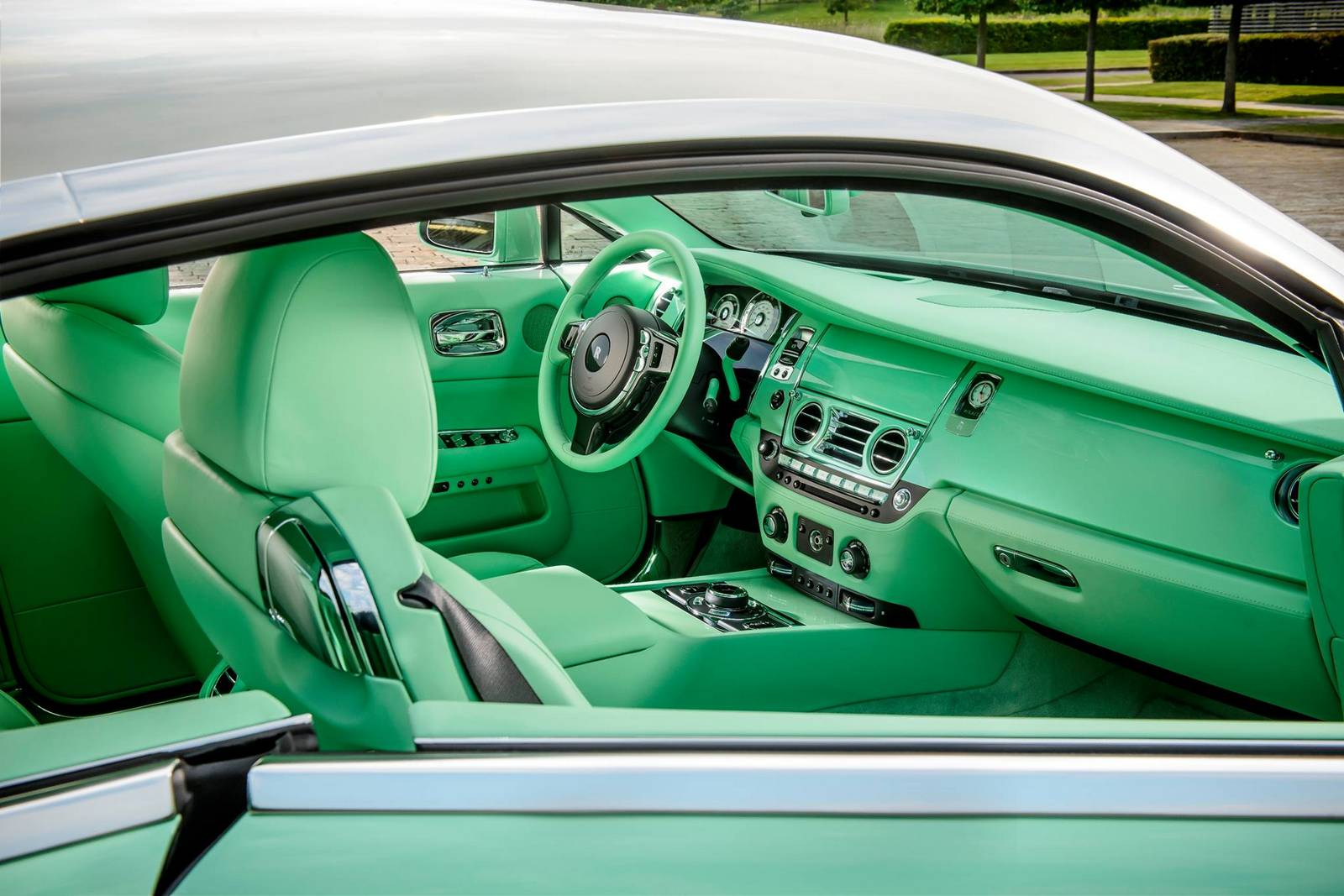 bespoke green rolls royce wraith built for michael fux gtspirit. Black Bedroom Furniture Sets. Home Design Ideas