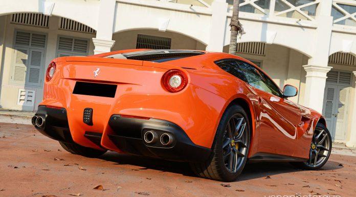 Rosso Dino Ferrari F12