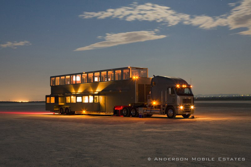 The Heat: A Mobile 5-Star Luxury Hotel