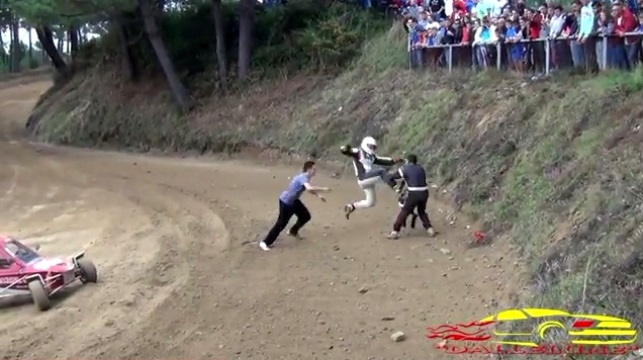 Video: Autocross Race Turns into Karate Fight Between Drivers