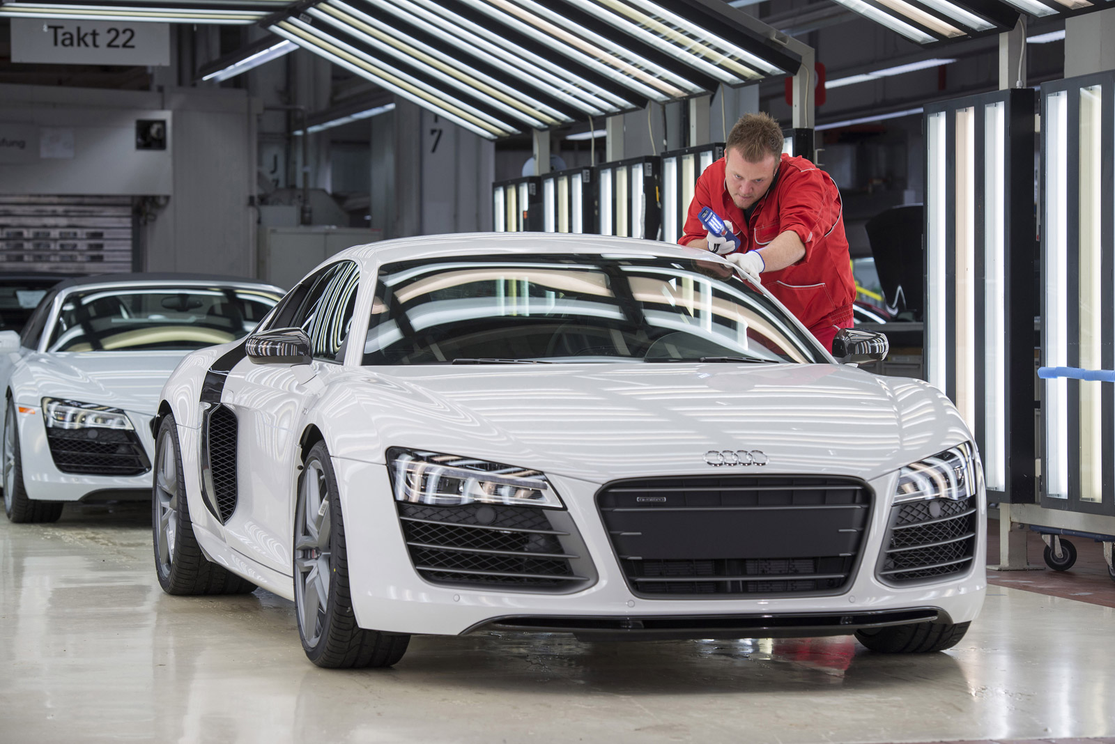 audi r8 production moves to new facility gtspirit. Black Bedroom Furniture Sets. Home Design Ideas
