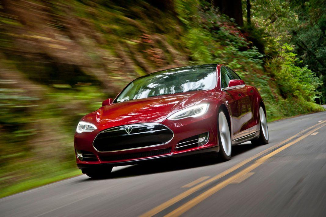Daimler Sells its 4% Stake in Tesla Motors