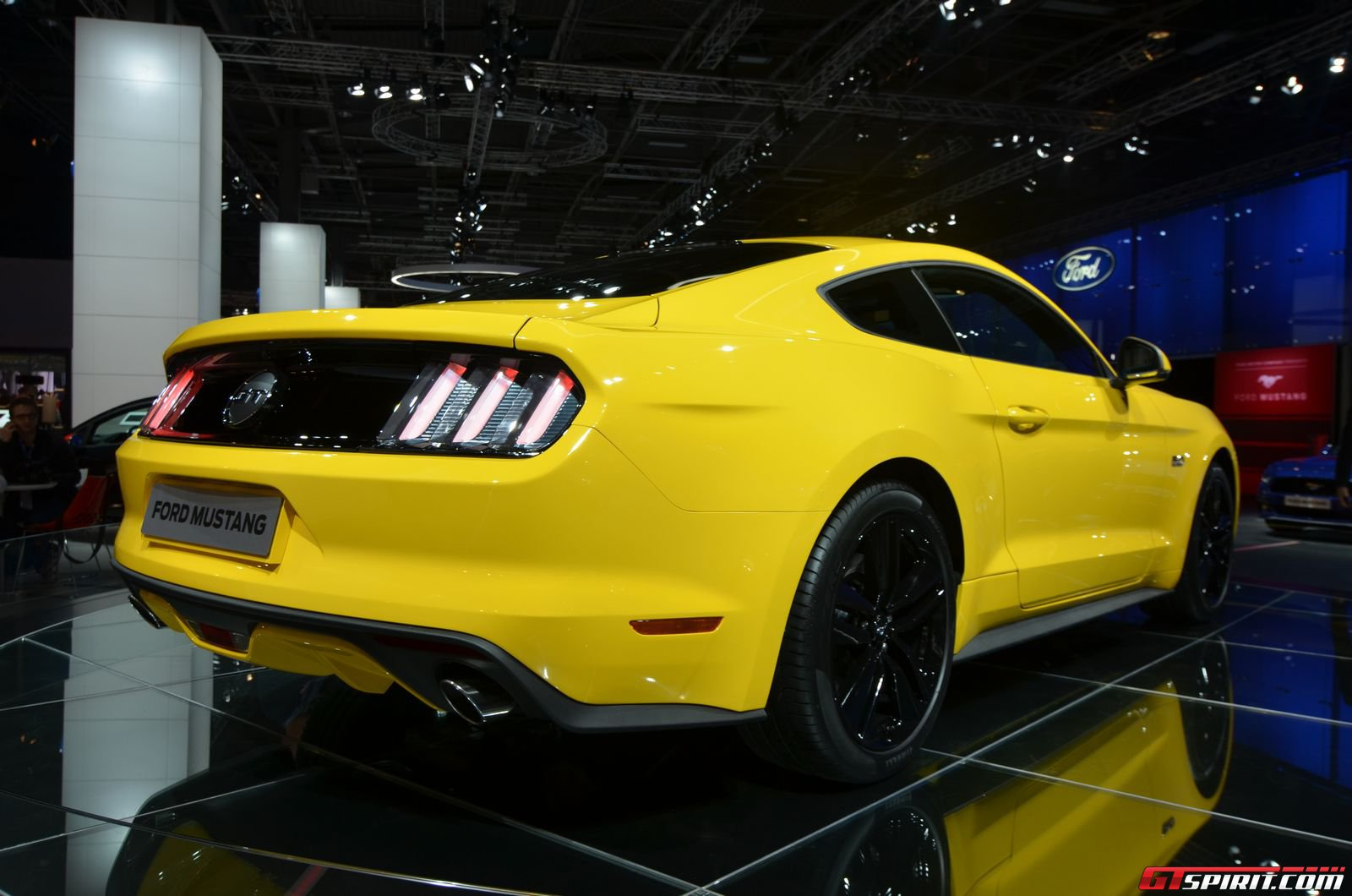 new ford mustang  finally  coming to europe next year