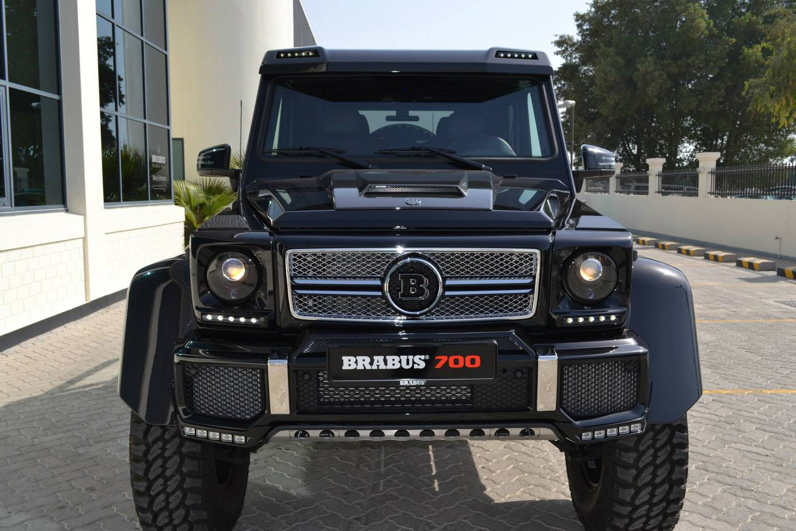 Gallery black brabus 700 g63 6x6 gtspirit for Mercedes benz g63 6x6 for sale