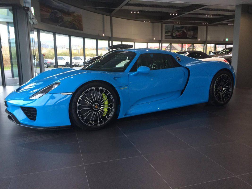 Baby Blue Porsche 918 Spyder
