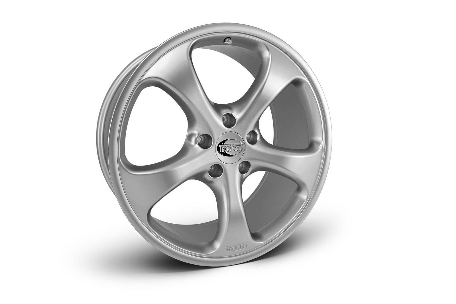 Techart Introduces Winter Wheel Set For Porsche Macan