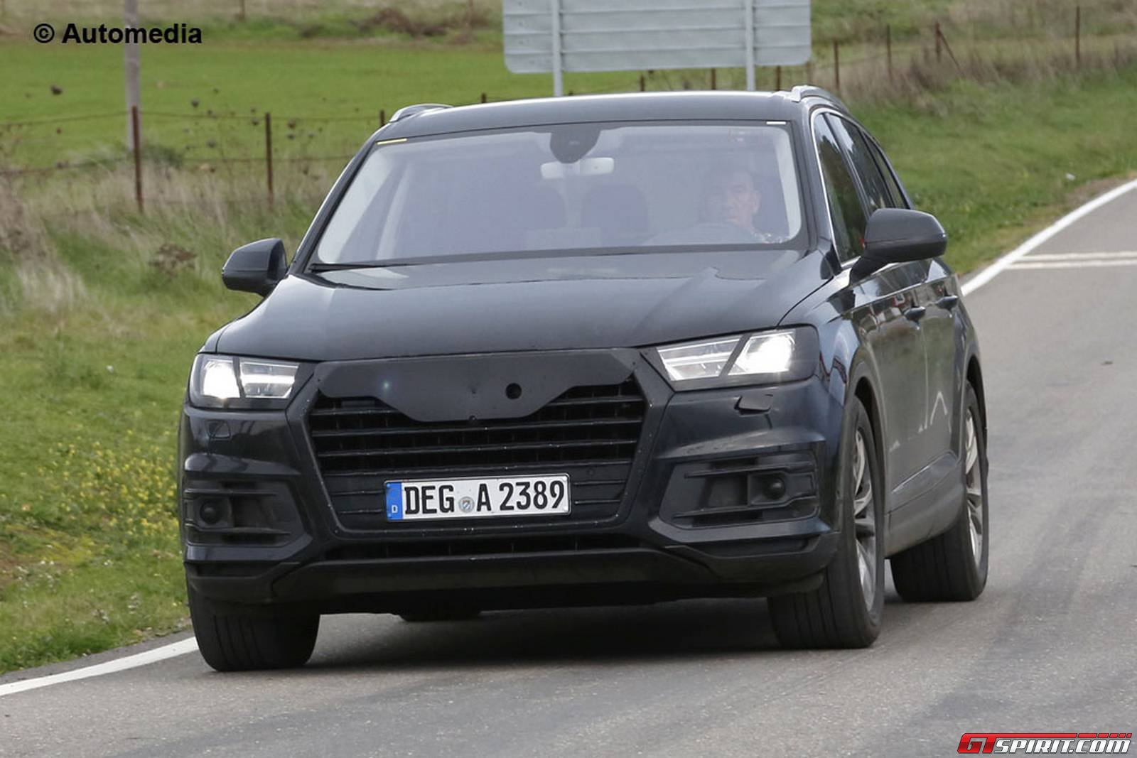 2015 audi q7 spied almost undisguised gtspirit. Black Bedroom Furniture Sets. Home Design Ideas