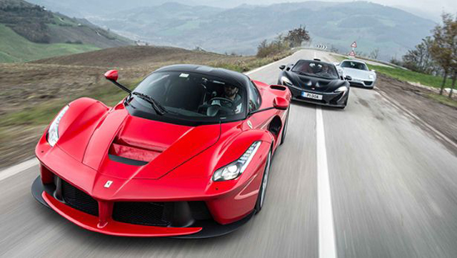 top gear hits the jackpot test mclaren p1 vs porsche 918 spyder vs laferrari. Black Bedroom Furniture Sets. Home Design Ideas