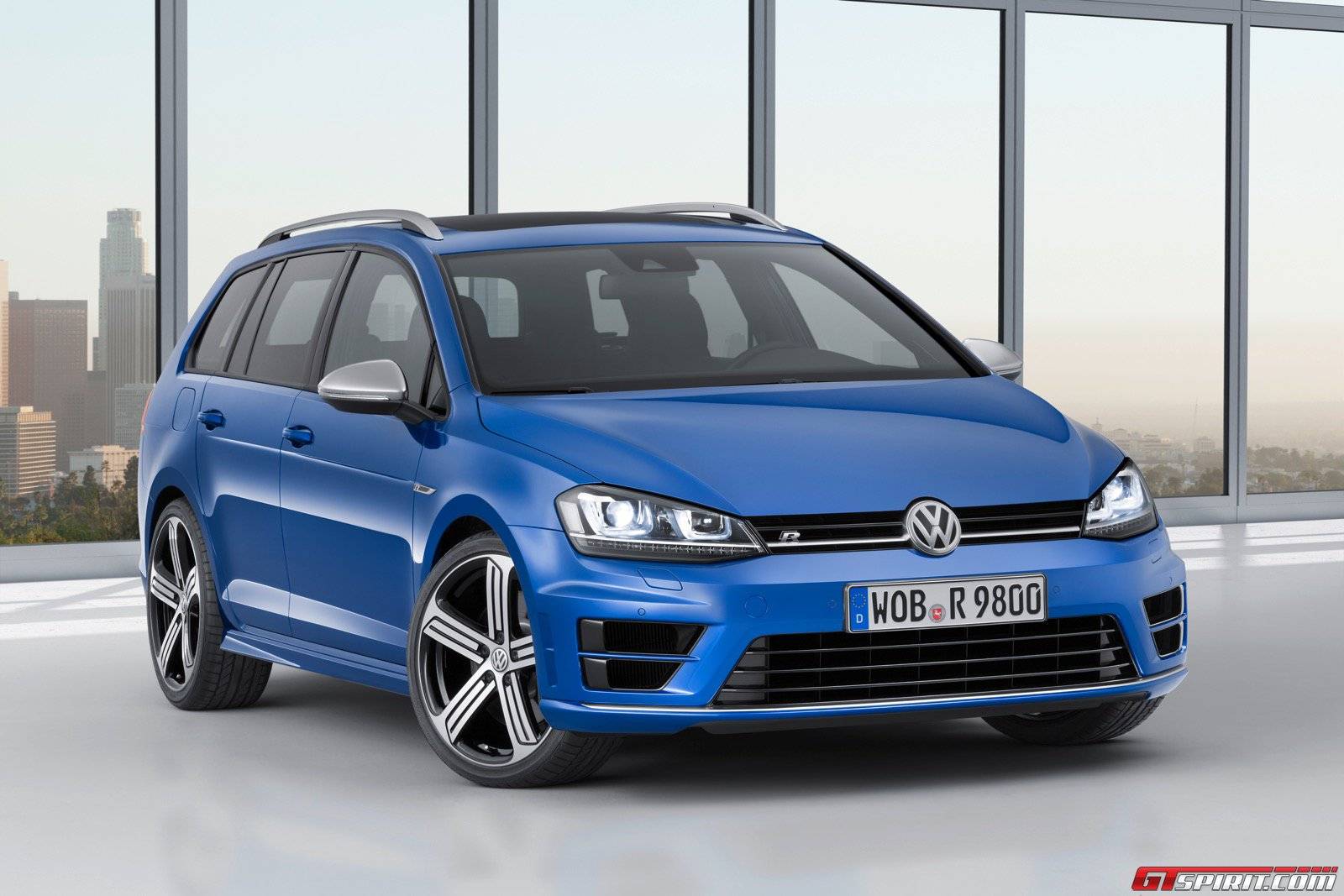 official 2015 volkswagen golf r variant gtspirit. Black Bedroom Furniture Sets. Home Design Ideas