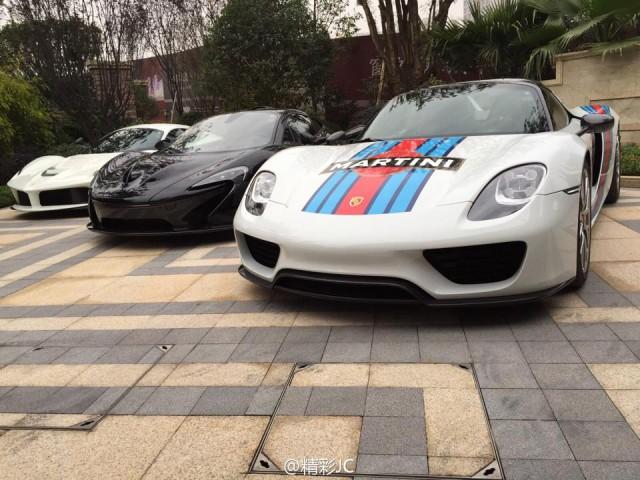 McLaren P1 vs Porsche 918 Spyder vs LaFerrari in China