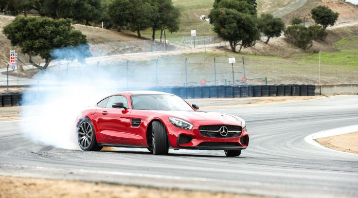 A Mercedes Christmas with AMG GT Films via Virtual Reality