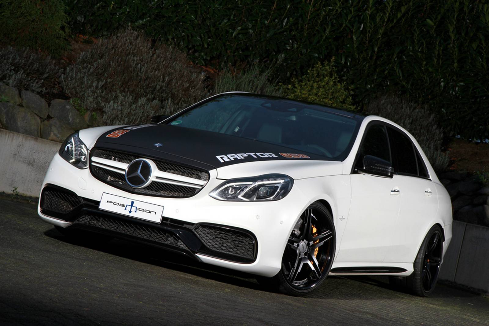 Official mercedes benz e63 amg by posaidon gtspirit for Mercedes benz e amg