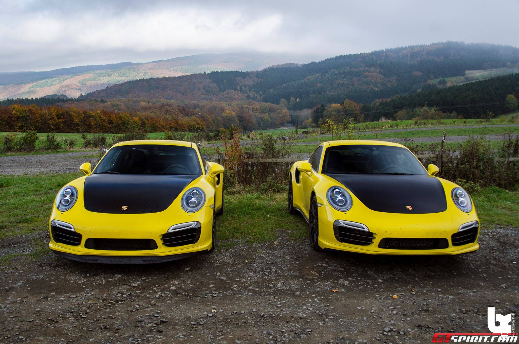 Photo Of The Day Double Yellow Porsche 911 Turbo S Gtspirit