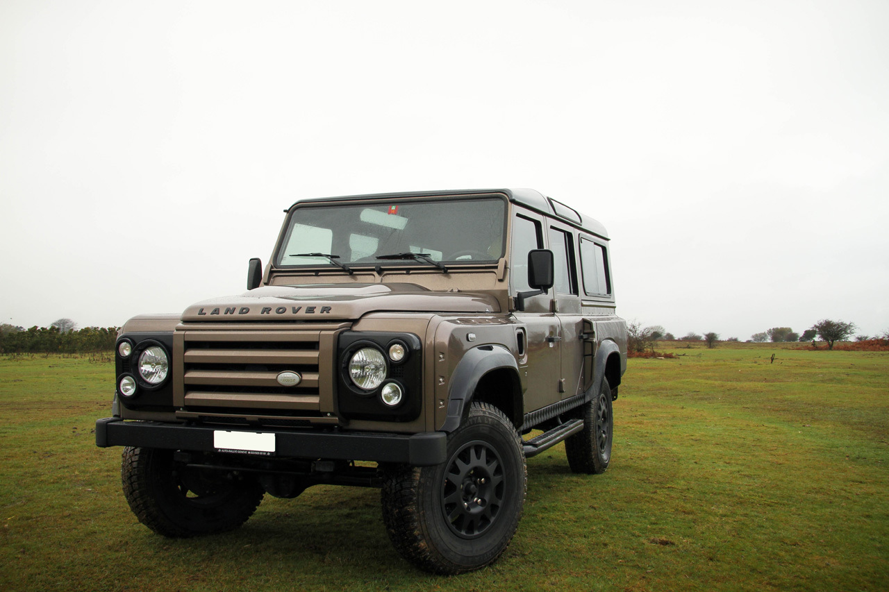 official wildcat land rover defender gtspirit. Black Bedroom Furniture Sets. Home Design Ideas