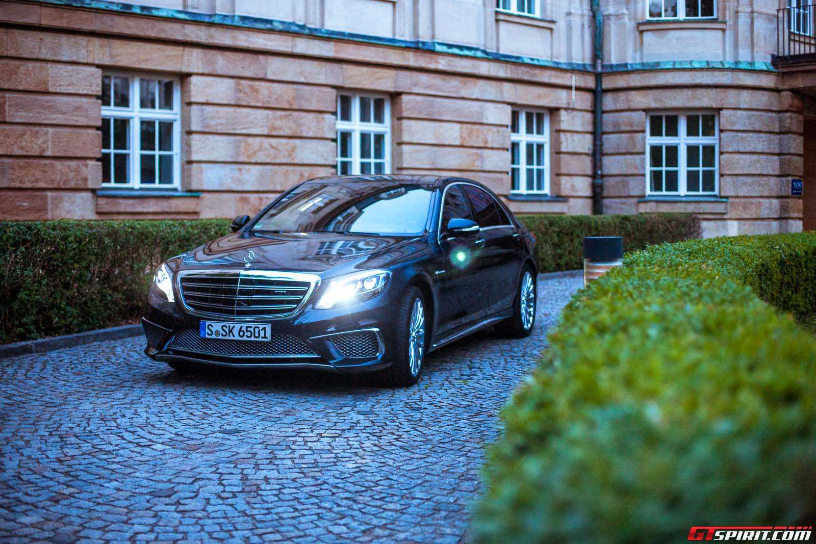 2017 Mercedes Benz S65 Amg Review