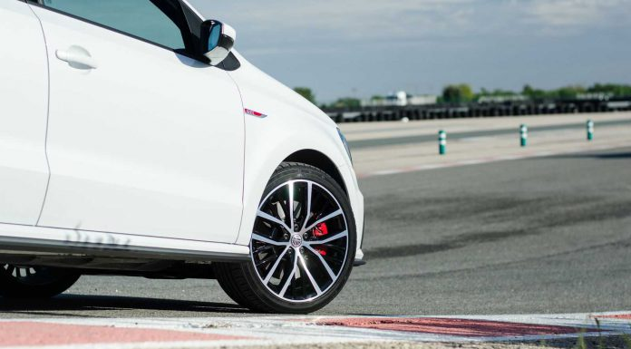 volkswagen-polo-gti-review-race-track-10