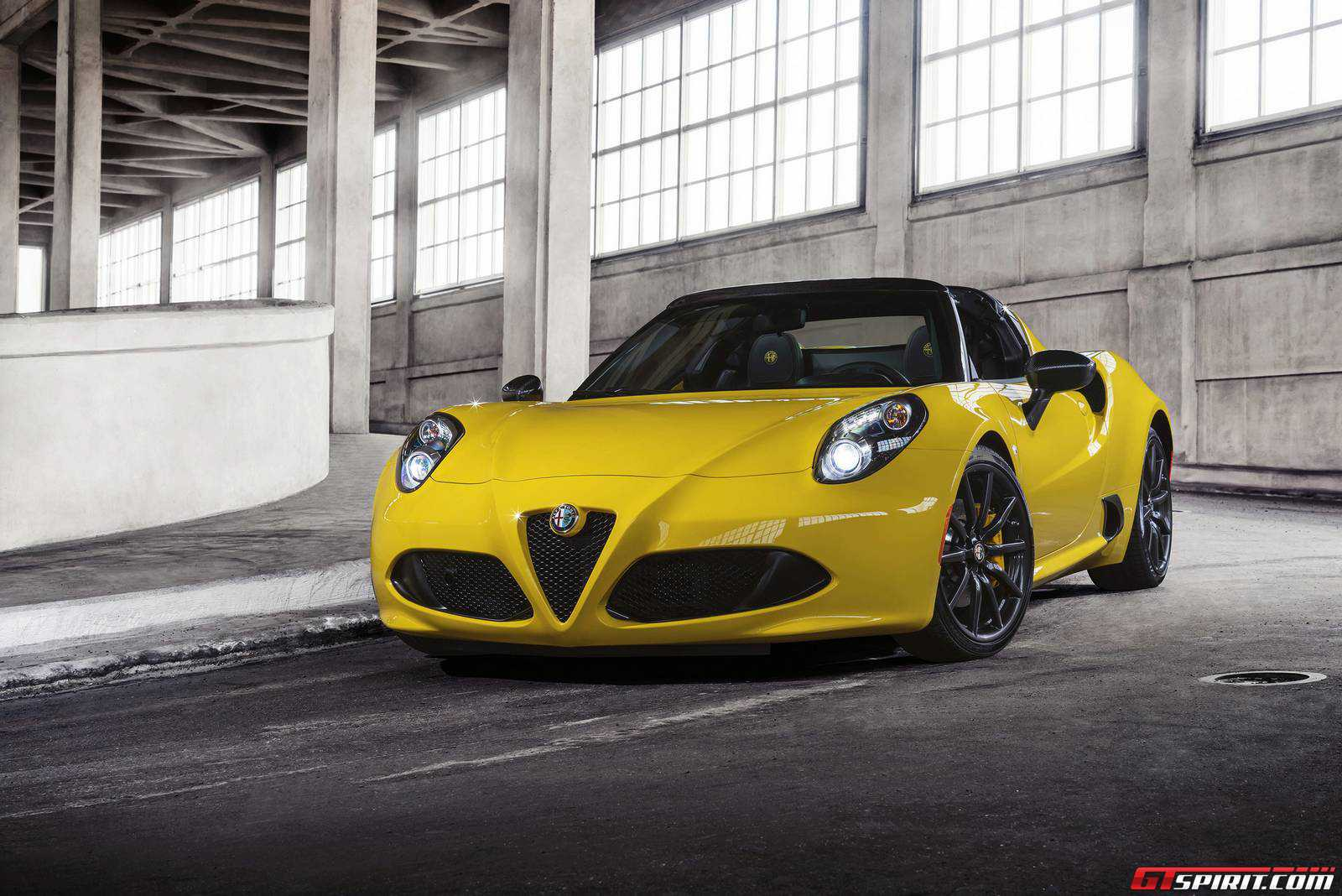 official 2015 alfa romeo 4c spider gtspirit. Black Bedroom Furniture Sets. Home Design Ideas