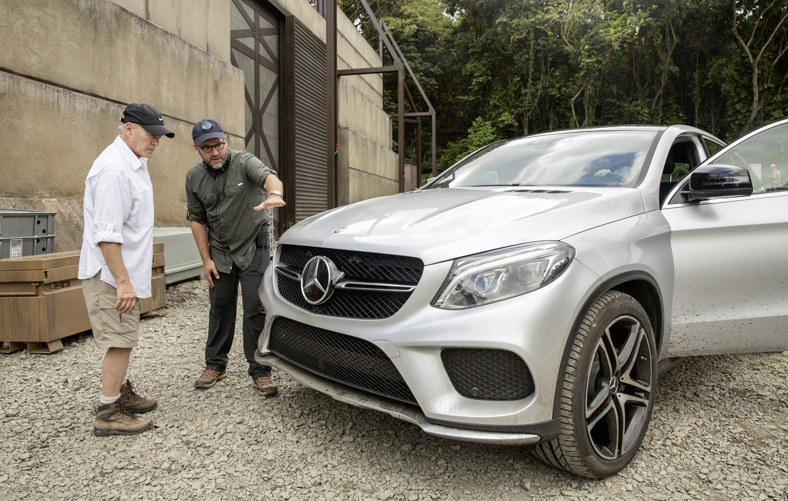 Mercedes benz gle coupe to star in new jurassic park for Parking at mercedes benz superdome