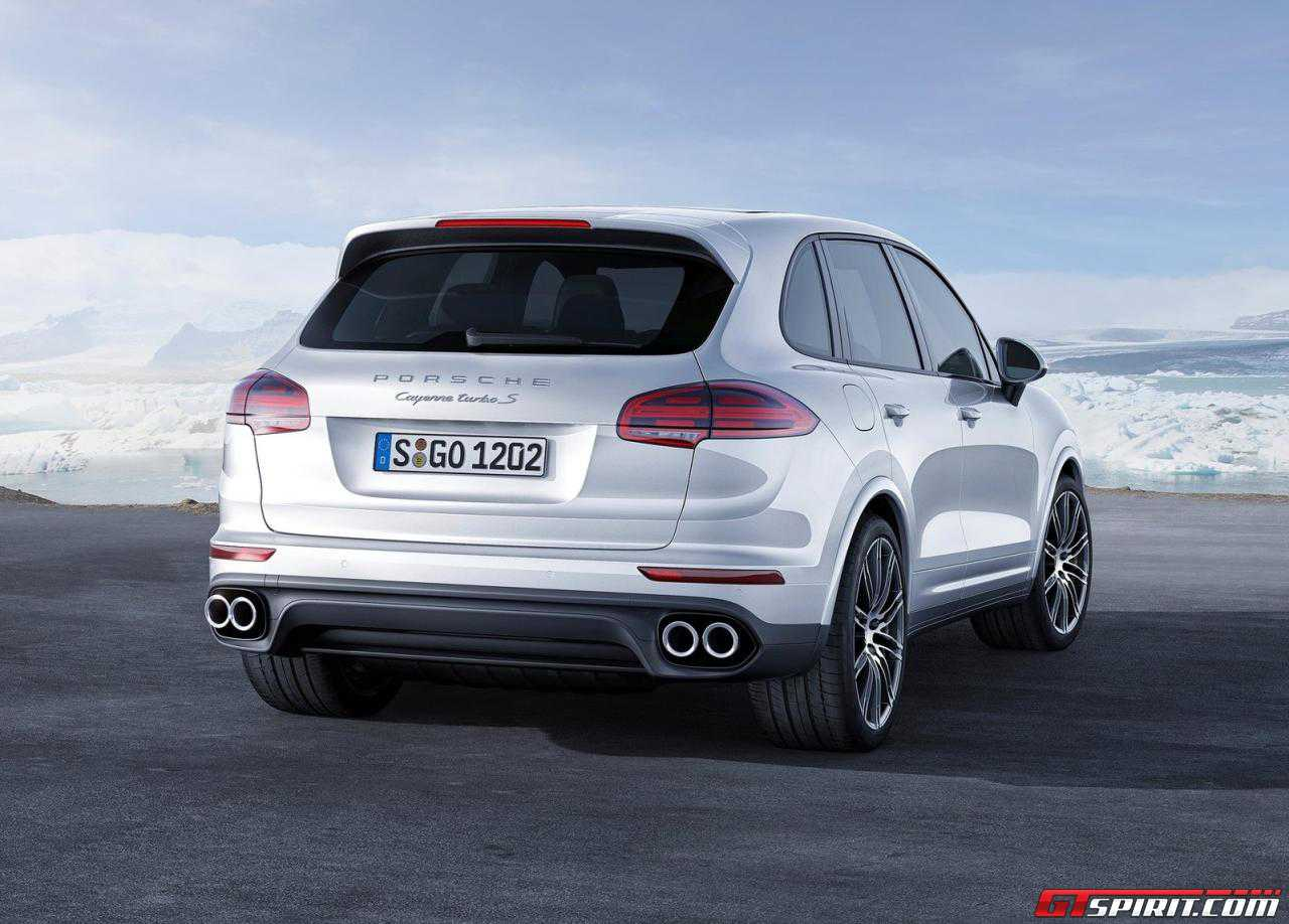 official 2016 porsche cayenne turbo s gtspirit. Black Bedroom Furniture Sets. Home Design Ideas