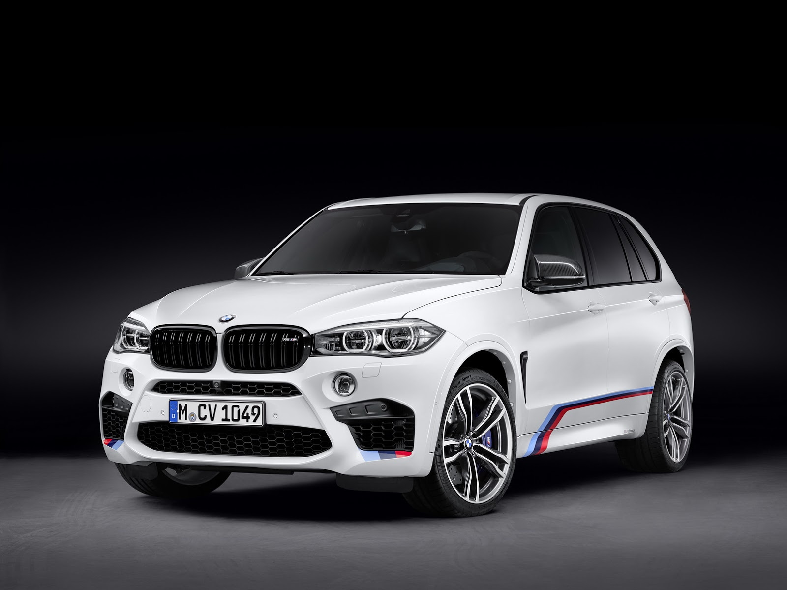 bmw x5 m and x6 m with m performance parts revealed gtspirit. Black Bedroom Furniture Sets. Home Design Ideas