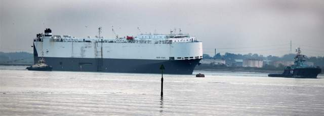 Listing car transporter Hoegh Osaka is towed into Southampton - picture by Malcolm Nethersole