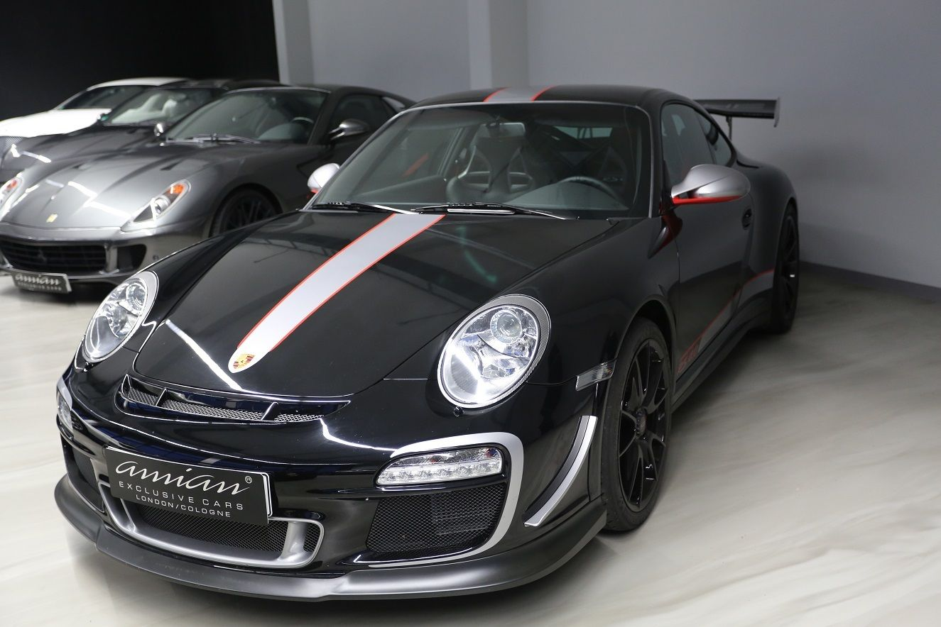 pristine porsche 911 gt3 rs 4 0 for sale for 440k gtspirit. Black Bedroom Furniture Sets. Home Design Ideas