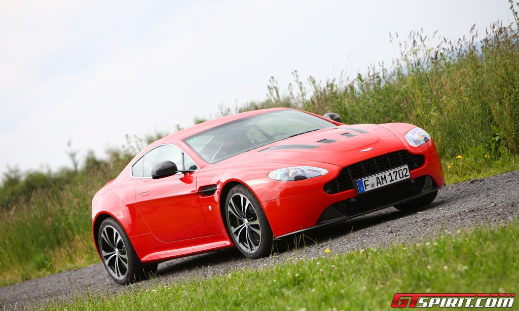 Road Test Aston Martin V12 Vantage 003