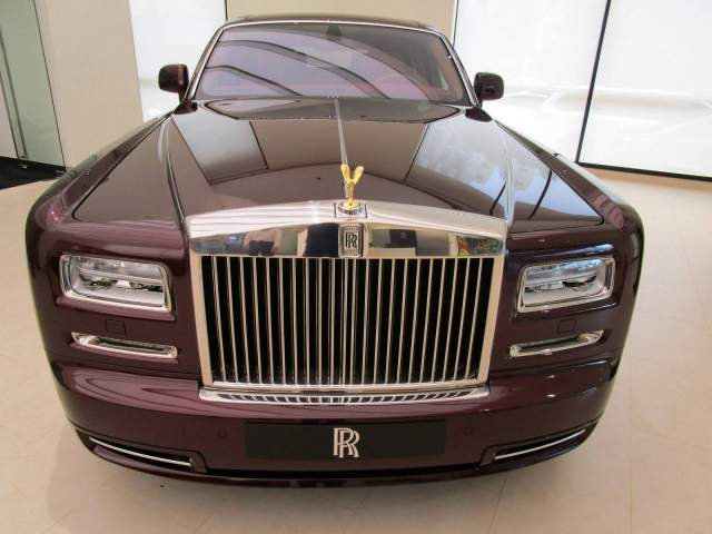 One-Off Rolls-Royce Phantom Oriental Sun from Vietnam