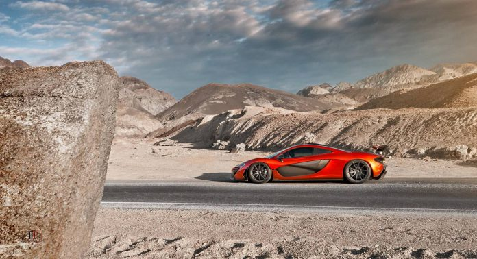 Photo of the Day: McLaren P1 Stuns in Death Valley!