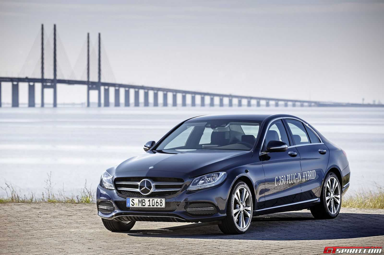 Official 2015 mercedes benz c350 plug in hybrid gtspirit for Mercedes benz hybrids