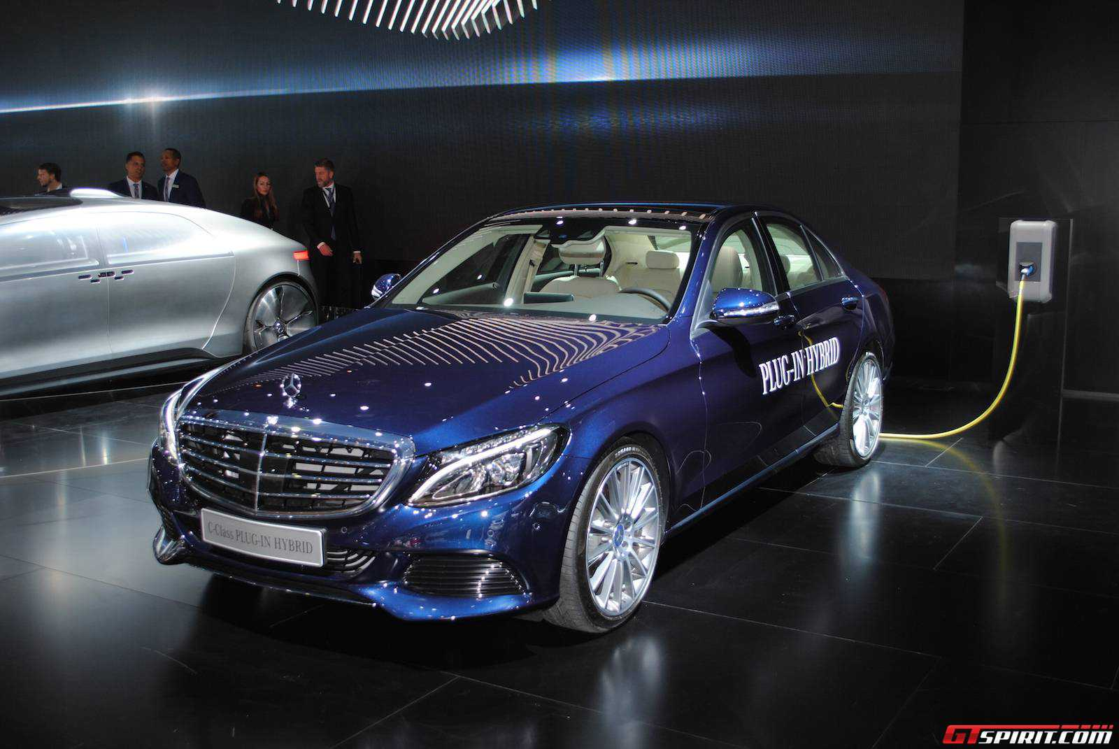 detroit 2015 mercedes benz c350 plug in hybrid gtspirit