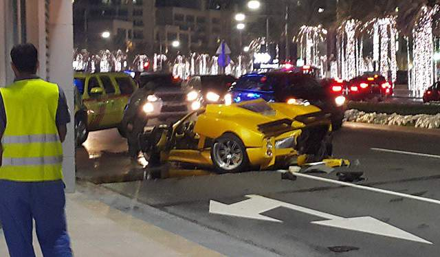 Yellow Pagani Zonda F Crash in Dubai