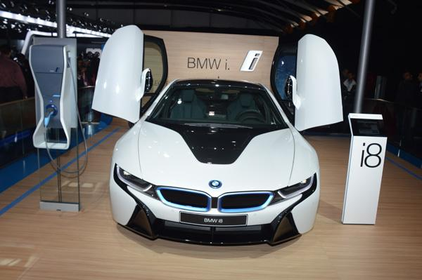 White BMW i8 Mumbai Launch