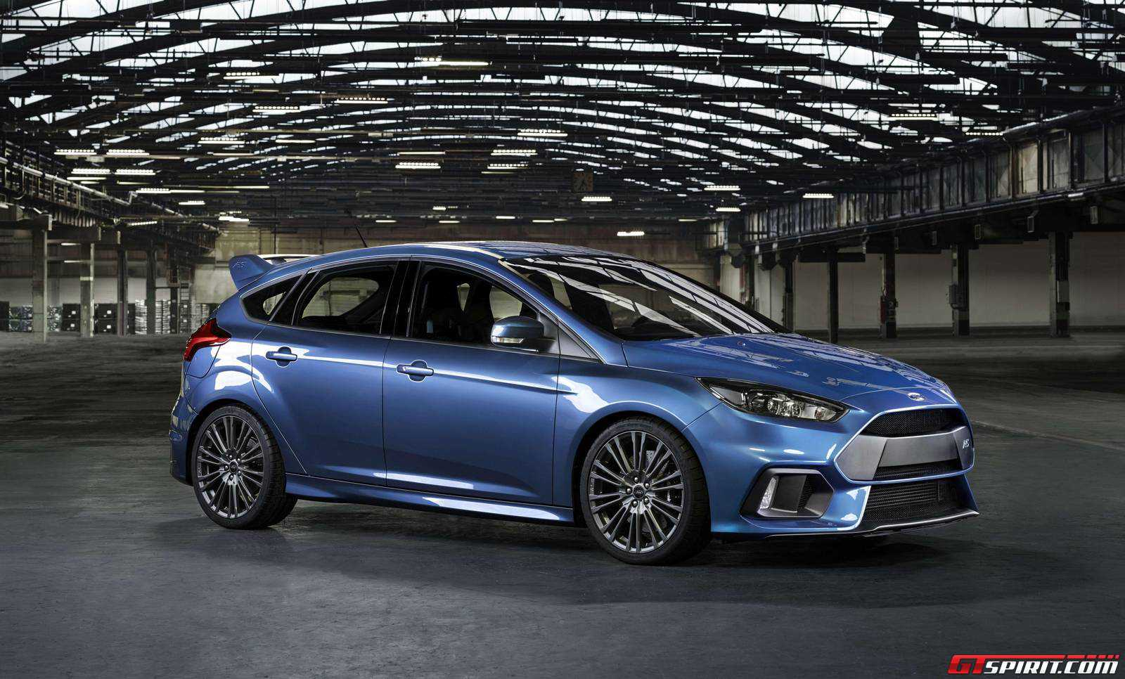 video ken block slides 2016 ford focus rs gtspirit. Black Bedroom Furniture Sets. Home Design Ideas
