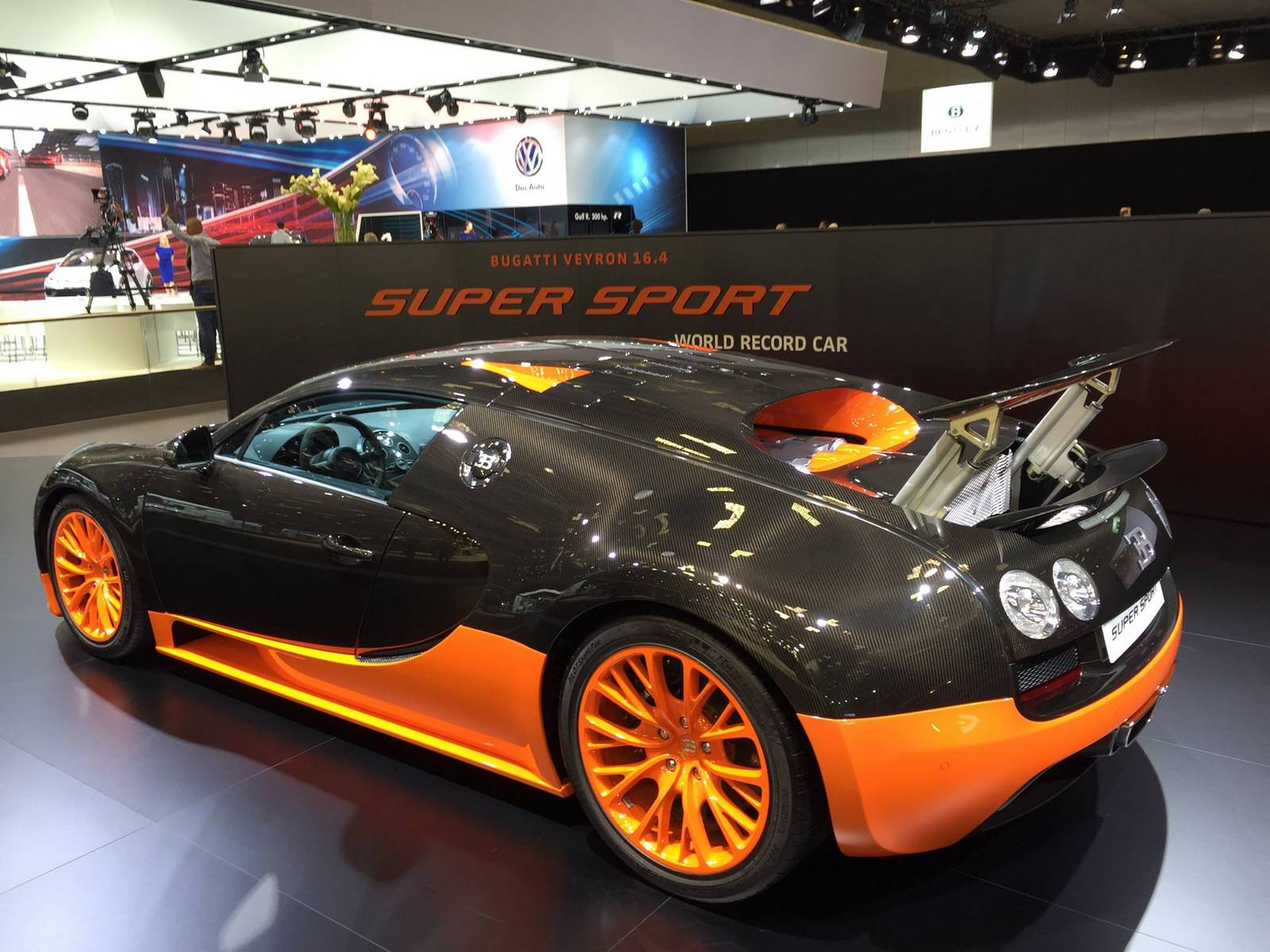 bugatti veyron super sport wrc stars at qatar motor show gtspirit. Black Bedroom Furniture Sets. Home Design Ideas