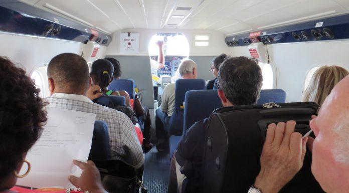 Flight to Praslin