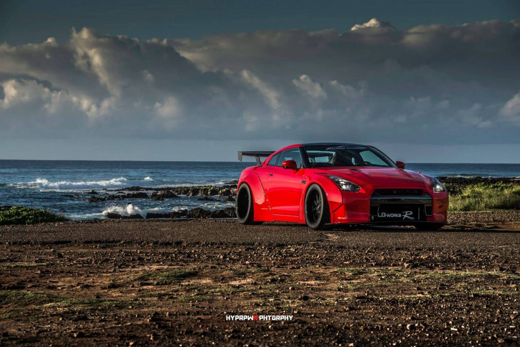 Picture Perfect: Liberty Walk Nissan GT-R Photoshoot in Oahu!