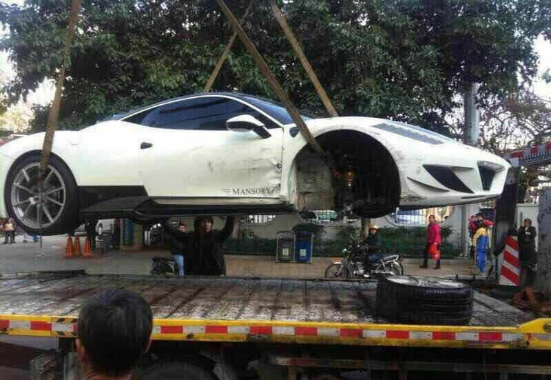 Mansory Ferrari 458 Siracusa Crashes in China