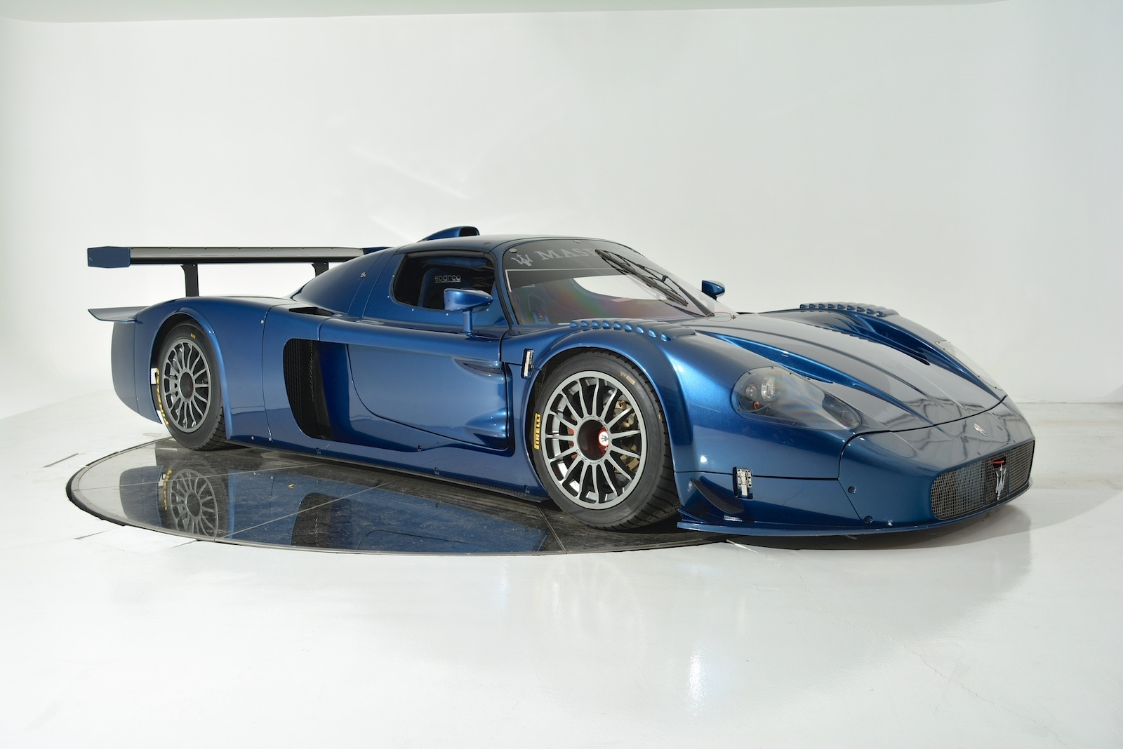 ultra rare maserati mc12 corsa for sale gtspirit. Black Bedroom Furniture Sets. Home Design Ideas