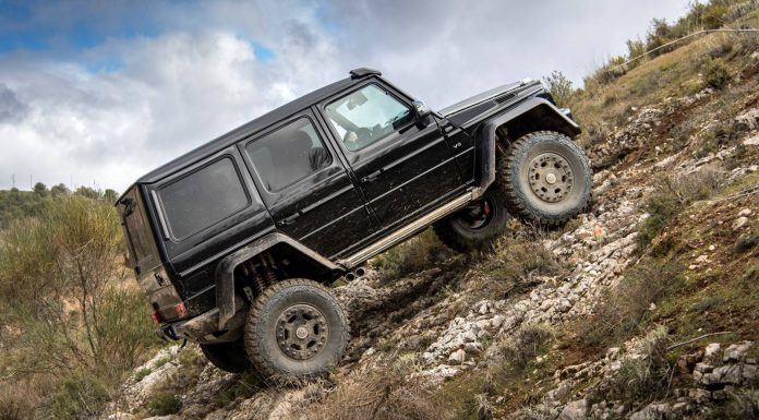 Mercedes-Benz G500 4x4 hill climb