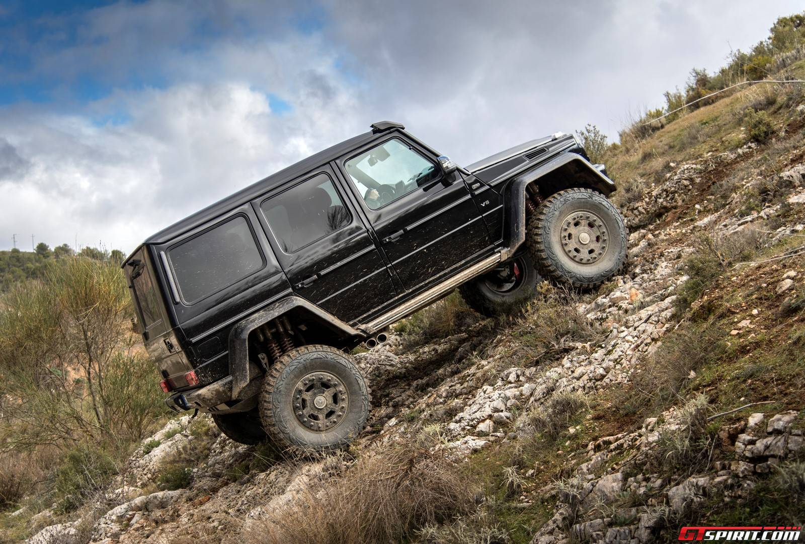 Exclusive mercedes benz g500 4x4 review gtspirit for Mercedes benz g class 4x4