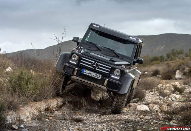 Mercedes-Benz G500 4x4 off road