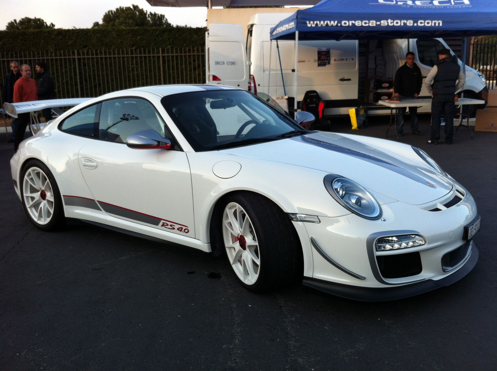 used porsche 911 gt3 rs 4 0 priced at 380k gtspirit. Black Bedroom Furniture Sets. Home Design Ideas