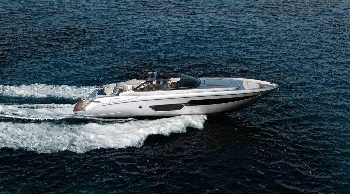 Riva 88' Florida Superyacht with Convertible Hardtop