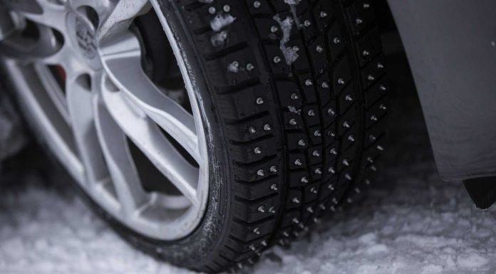 Snow tires with Spikes