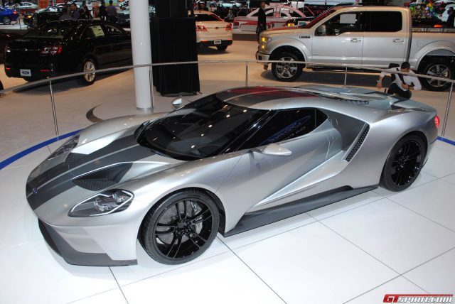 Chicago 2015: Liquid Silver Ford GT