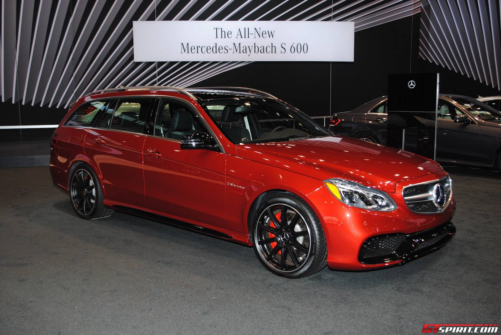 Mercedes benz highlights at the chicago auto show 2015 for Mercedes benz chicagoland