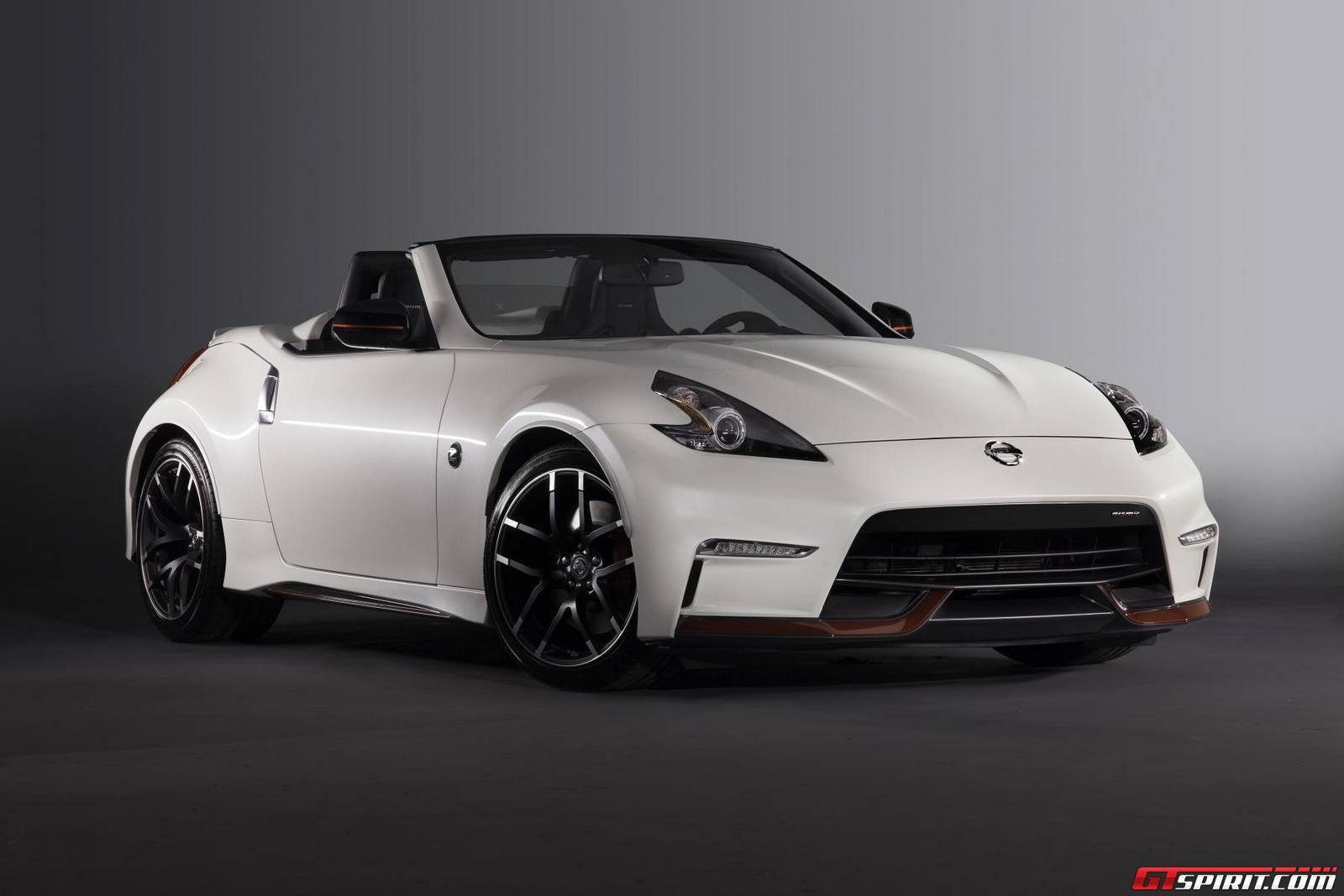 official nissan 370z nismo roadster concept gtspirit. Black Bedroom Furniture Sets. Home Design Ideas
