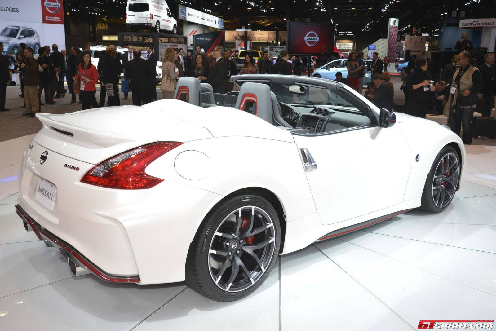 chicago 2015 nissan 370z nismo roadster concept gtspirit. Black Bedroom Furniture Sets. Home Design Ideas