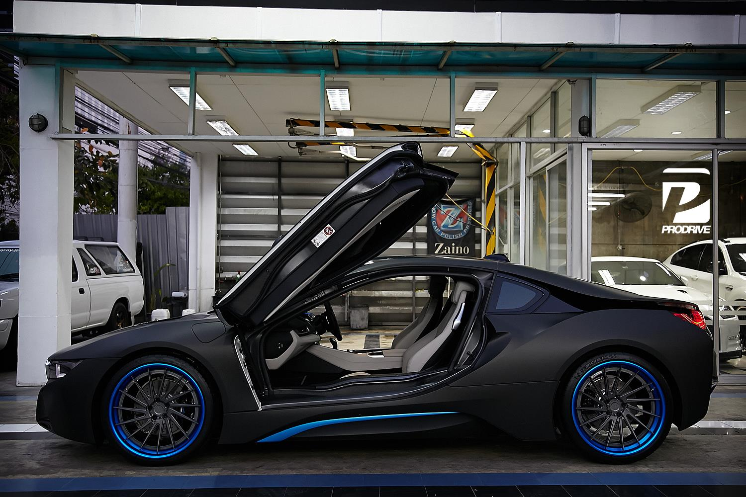 Thai Bmw I8 Gets Custom Blue Adv 1 Wheels Gtspirit